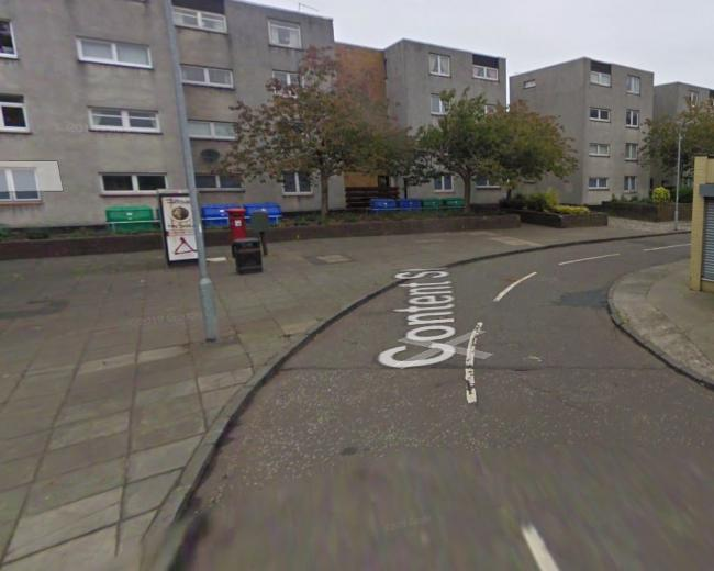 Ayr shopkeeper threatened with knife and robbed