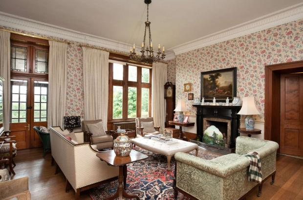 Ayr Advertiser: Drawing room. (Credit: Savills)