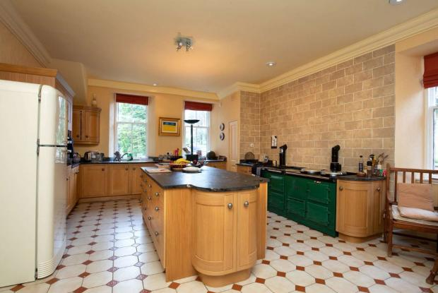 Ayr Advertiser: Kitchen. (Credit: Savills)