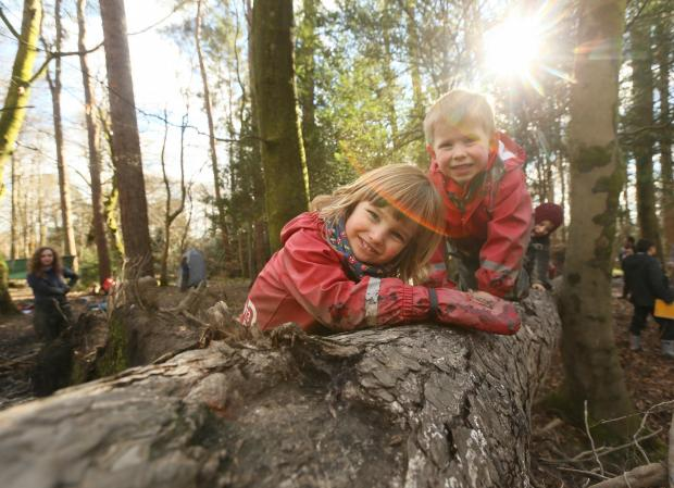 Ayr Advertiser: Care inspectorate My World Outdoors resource launch at the Woodland Outdoor Kindergarten in Pollok Country park, Glasgow. Pictured are Ruben Millard age 3, left and Oliver Mason age 4...   Photograph by Colin Mearns.9 MARCH 2016.