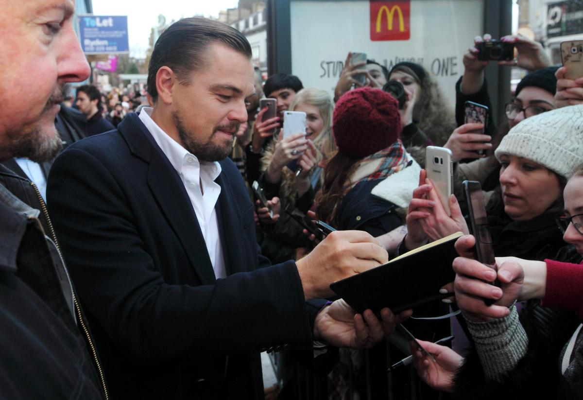 In Pictures Leonardo Dicaprio Greets Fans As He Visits Edinburgh