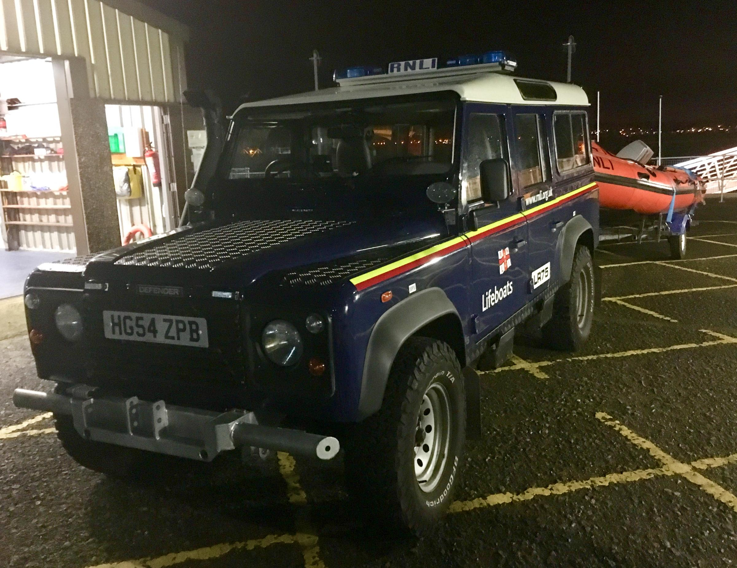 RNLI Troon help rescue two off Irvine Harbour