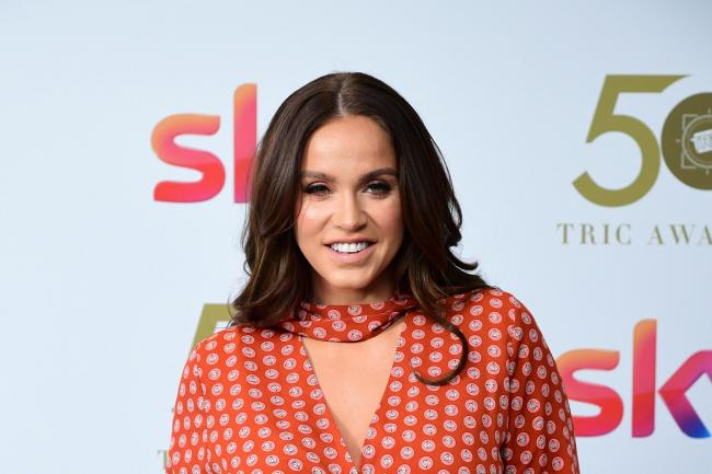 Vicky Pattison posted a 'moon face' selfie to apologise for her 'perfect' pictures