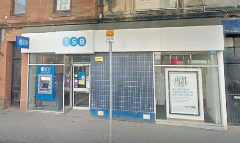 "Reduced hours at Girvan TSB are a ""slap in the face"" to customers"